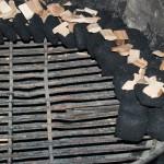 Billede af grill med røgflis