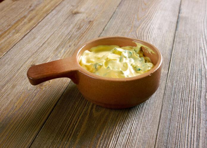 Billede af hjemmelavet Bearnaise sauce